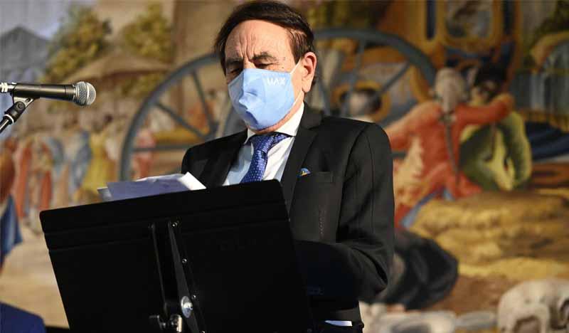 intervencion jesus nuñez presidente de uax en la real fabrica de tapices